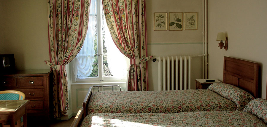 france_chamonix_richemond_hotel_twin_bedroom.jpg